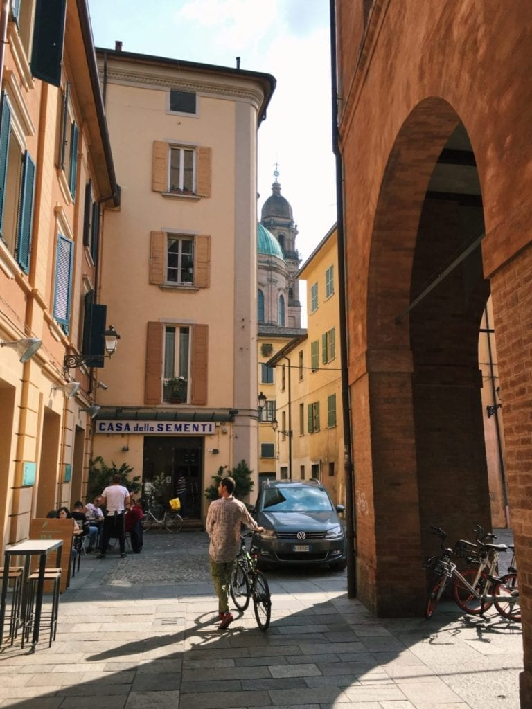20 Unmissable Things To Do In Bologna Italy - TravelsWithElle