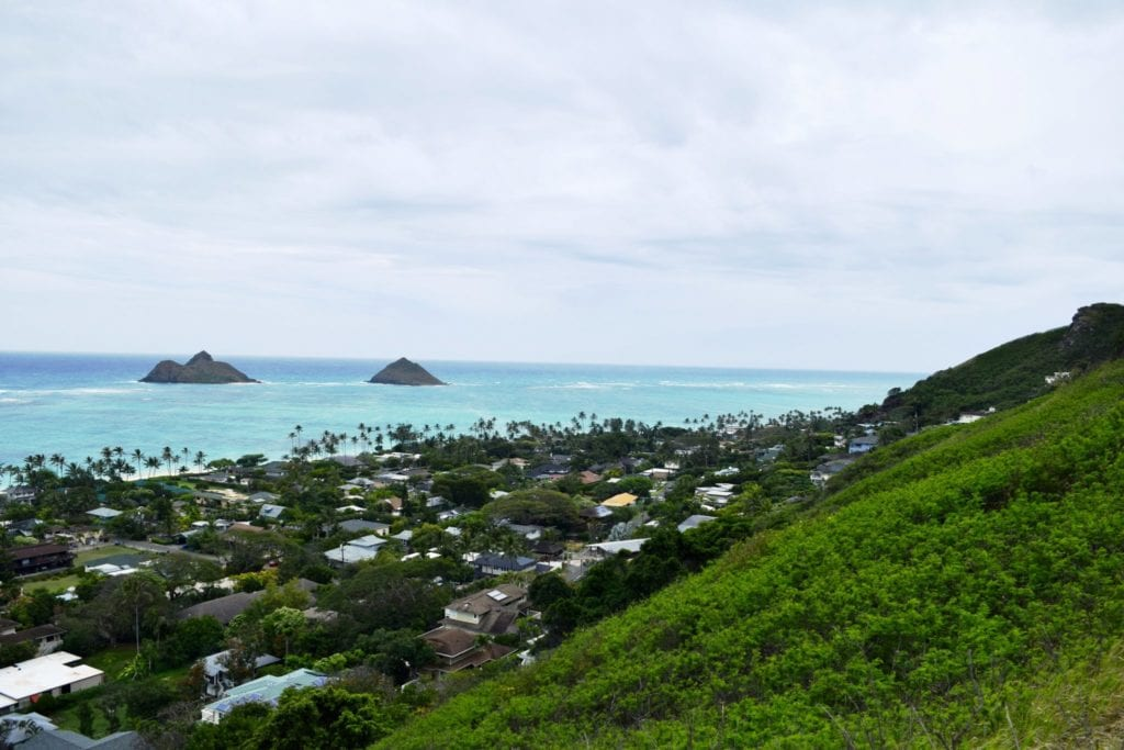Lanikai Pillbox Hike - www.travelswithelle.com