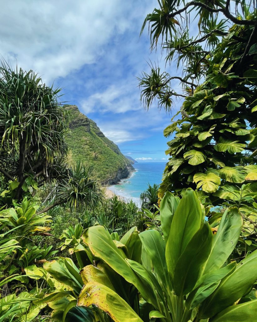 Kalalau Trail - The Perfect 7-Day Kauai Itinerary - TravelsWithElle