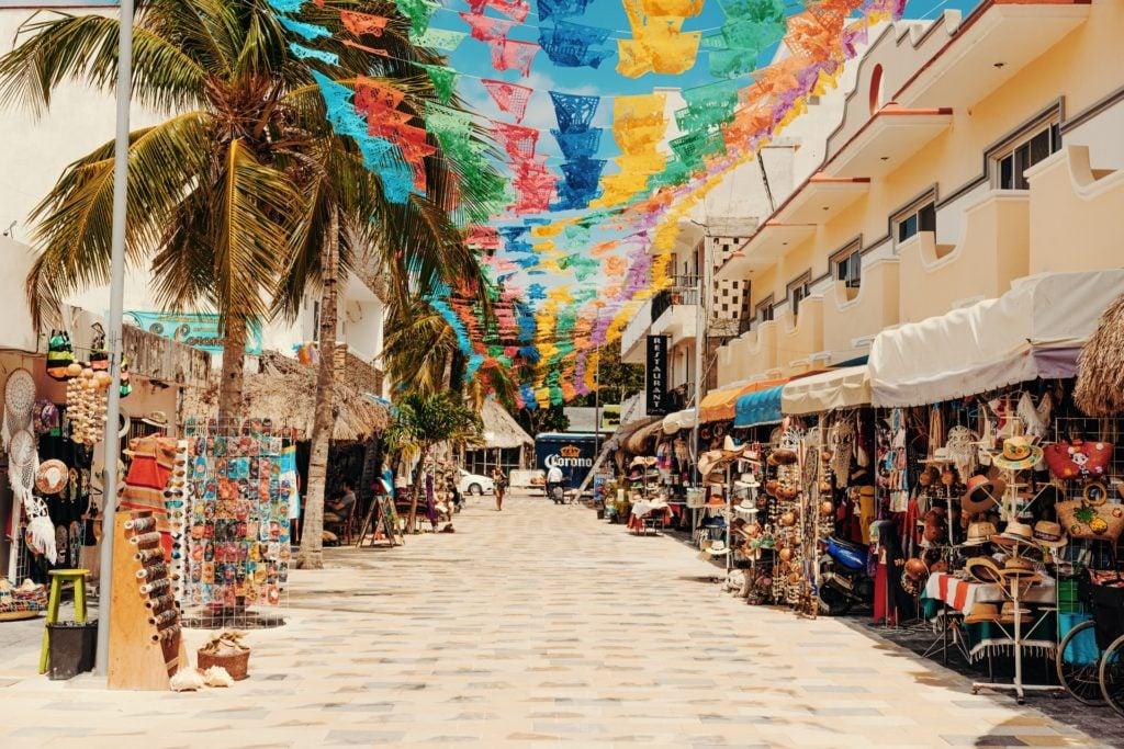 La Quinta Avenida - Best Things To Do In Playa Del Carmen - Travels With Elle