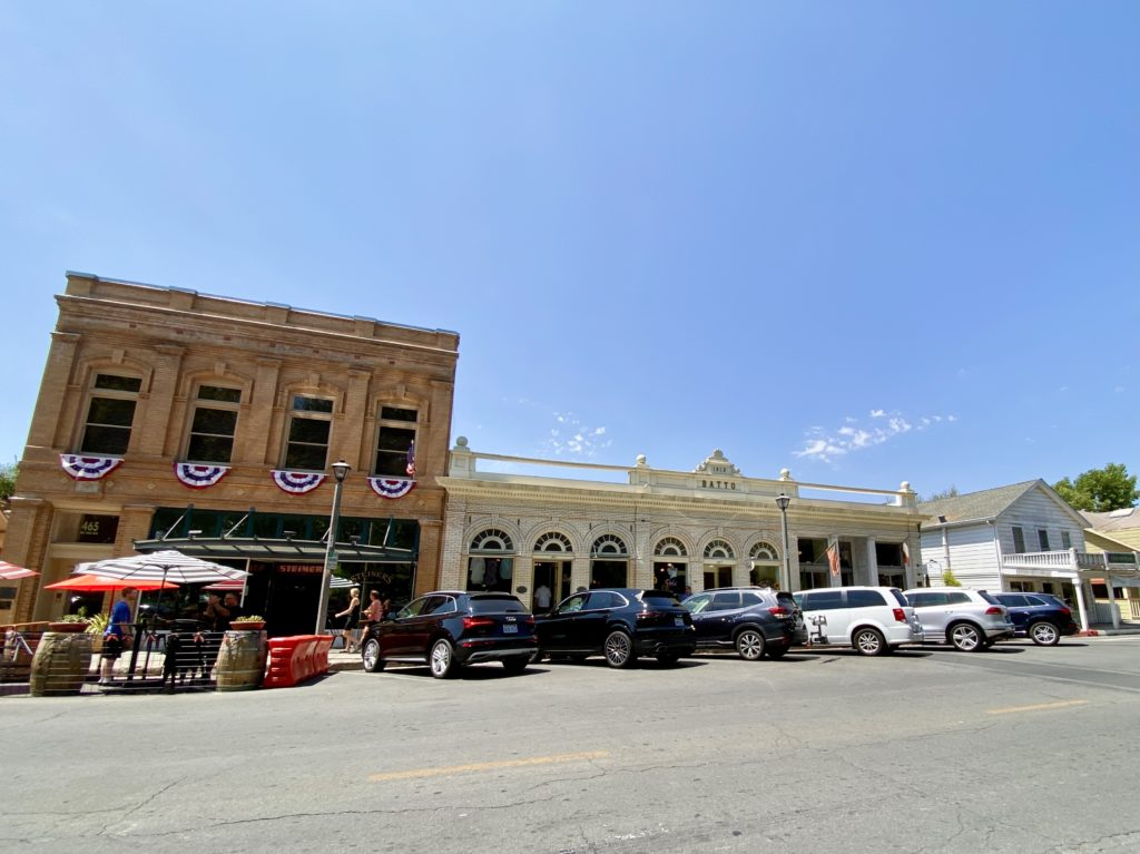 Sonoma Plaza - Sonoma County Weekend Getaway - Travels With Elle