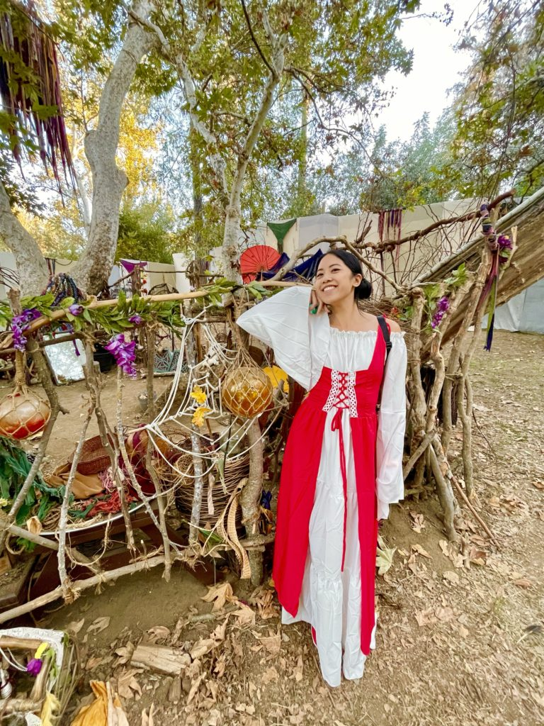 What To Wear To A Renaissance Festival